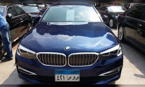 BMW-520i