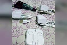 Samsung charger + Iphone Headphone