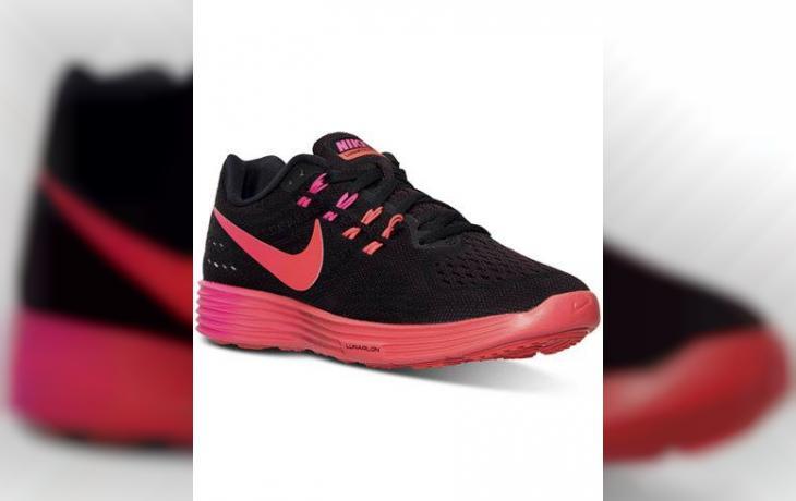 2dc87cce991bc Nike سنكرس - Dubarter